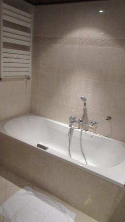 baignoire baln o foto van van der valk hotel vianen. Black Bedroom Furniture Sets. Home Design Ideas