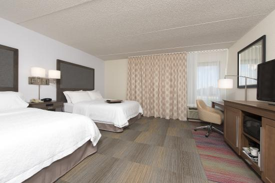 Hampton Inn Grand Rapids-South: Two queen accessible