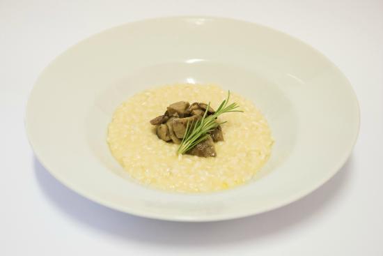 ristorante da Sapi: Risotto Az.Agricola Salera con Sirtino al Fatulì(Presidio Slow Food) delle Frise di Artogne Bs