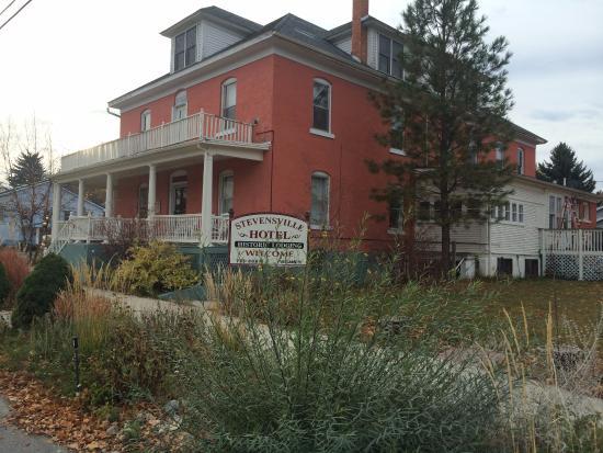 The Stevensville Hotel: Historic hotel in Stevensville Montana