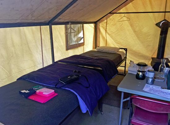 Tuolumne Meadows Lodge : Tent cabin interior