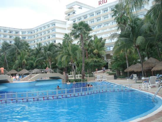 playa de palmeras picture of hotel riu caribe cancun. Black Bedroom Furniture Sets. Home Design Ideas
