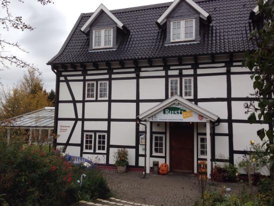 Rusticus, Restaurant mit angrenzendem Hofladen für Käse ...