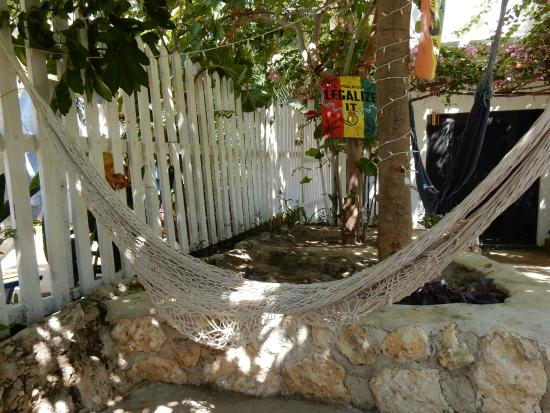 Irie Rest Guest House: Relaxation area