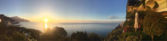 Santa Caterina Hotel: This was a sunrise view from our balcony
