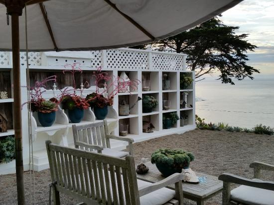 The Cottage at Muir Beach: Outdoor lounging area (there are 2!)