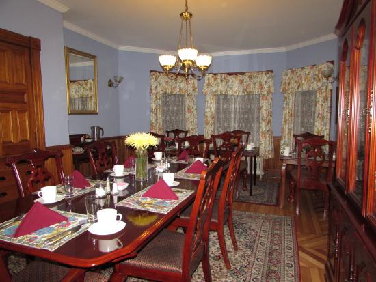 Sinclair Inn B & B: Breakfast room