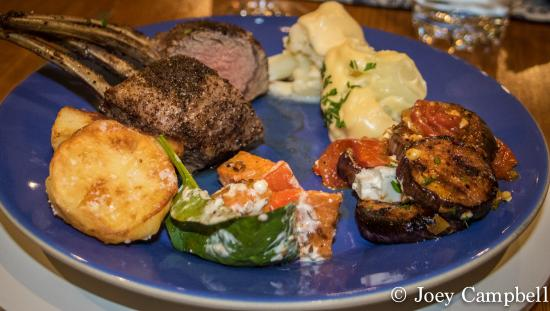 Seascape Lodge on Emu Bay: lamb chops with assortment of side dishes
