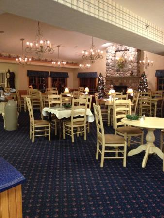 Middlebury, IN: a dining area used for breakfast