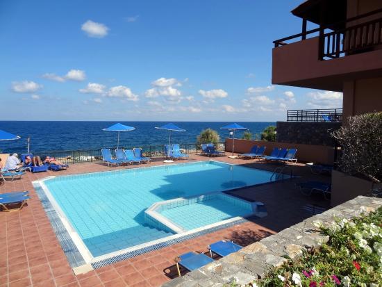 Small quiet pool - Picture of SENTIDO Vasia Resort & Spa