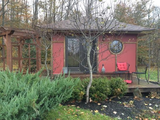 Sheady Acres Rental Cottages: Teahouse Cottage