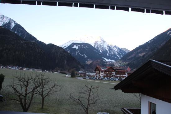 Haus Panorama: Вид из окна и балкона