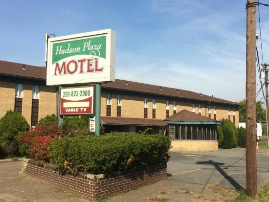 Hudson Plaza Motel