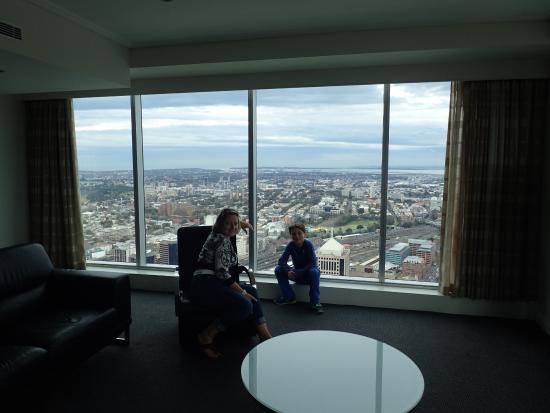 Meriton Suites World Tower Sydney Top Floor