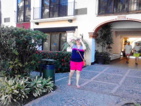 Puerto de Luna All-Suites Hotel: amplios jardines