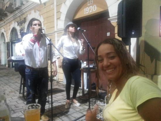 The Paradise Discoteca-Bar: Musica en vivo