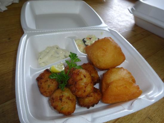 Eastern Star Bar & Fish Fry : Freshly made conch fritters
