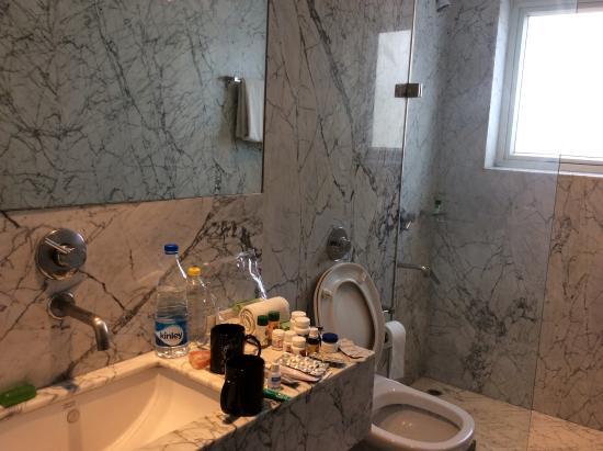 Hotel Palace Heights: Banheiro