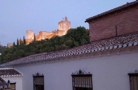 Apartamentos Muralla Ziri: The Alhambra