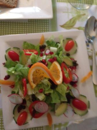 Maria D'anna Cafe: salad