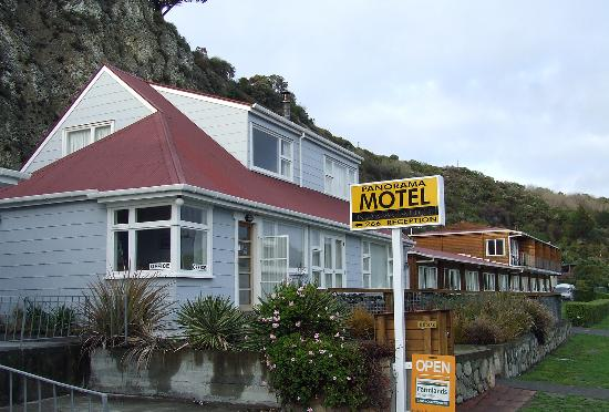 Panorama Motel: Hotel front