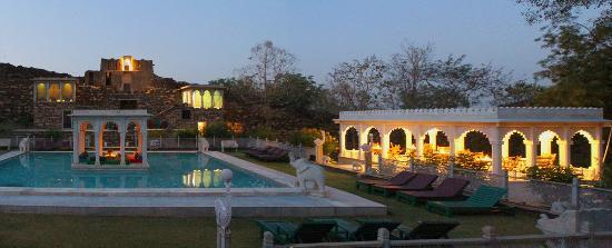 Welcom Heritage Karni Fort: Pool Area