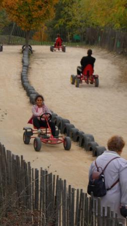 Peypin, França: Kart sans pet'd'trolls