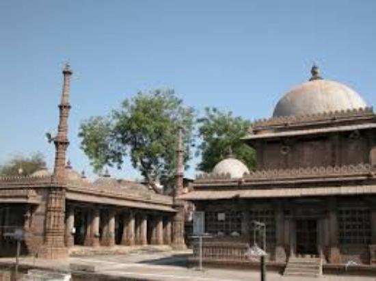 Rani Sipri's Mosque: Masjid-e-Nagina