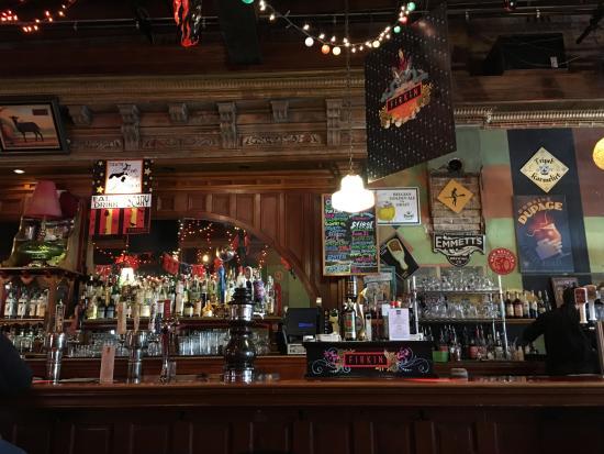 nearby restaurants near libertyville