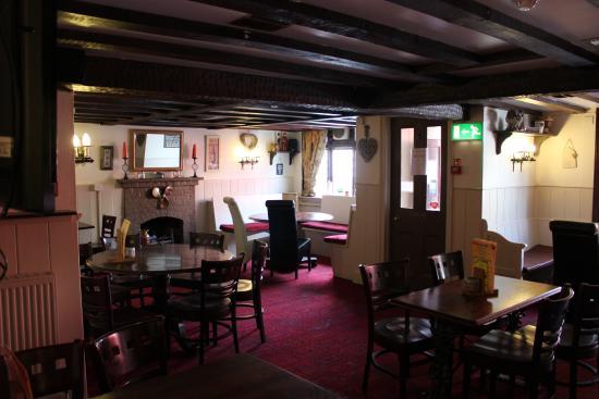 Maiden Newton, UK: Main Bar