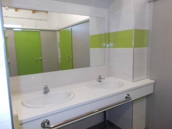 Calmont, Γαλλία: nos sanitaire