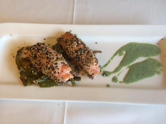 Restaurant Font Negra : Salmón con salsa de menta