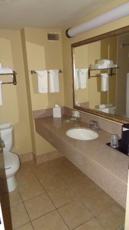 Country Inn & Suites By Carlson, Bothell: Clean but cold