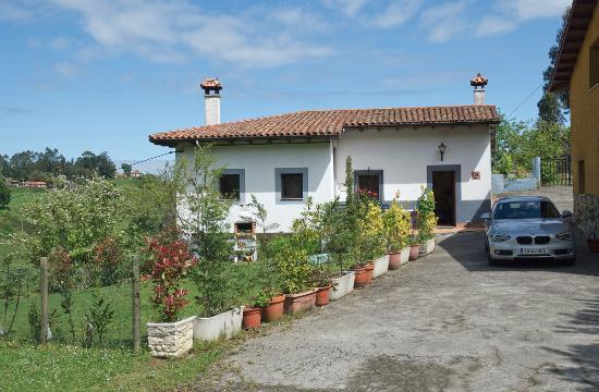 Casa Rural San Juan: Вид на дом