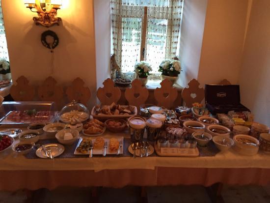 Locanda Ristorante Ospitale: Breakfast spread