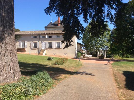 Chateau des Loges : vue latérale du château