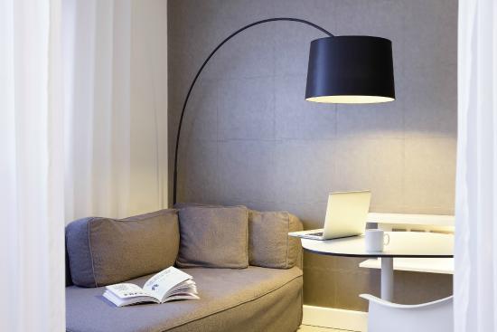 novotel suites perpignan mediterran e hotel france voir les tarifs et 244 avis. Black Bedroom Furniture Sets. Home Design Ideas