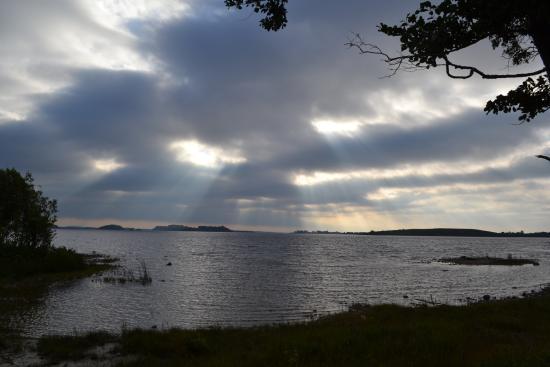 Nonaim Lodge Angling & Accommodation: Sunrise over Lough Corrib