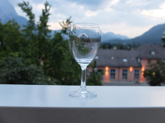 Hotel Vier Jahreszeiten: Вечерний пейзаж из номера