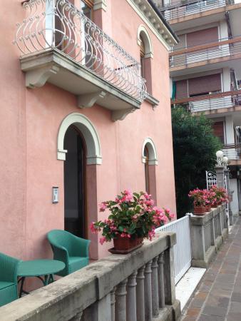 Hotel Villa Mabapa: annexe vue de l'extérieur