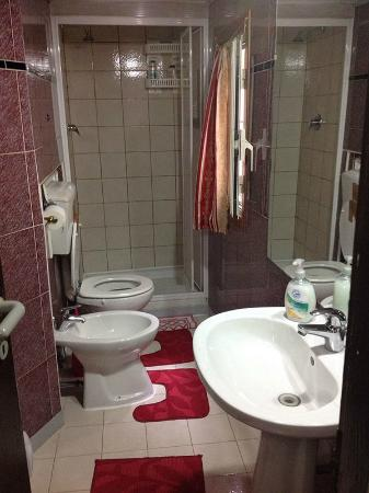 Termini Accommodation: bagno
