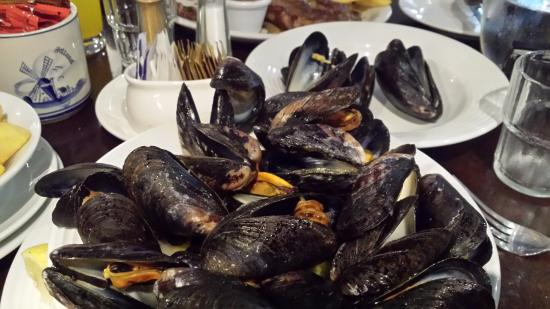 New Quay, Irlanda: Great mussels in Linnane's