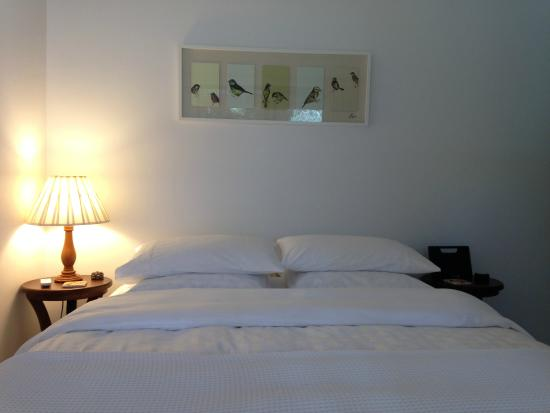 Cockatoo Valley, ออสเตรเลีย: The Barn bedroom, Quality linen, electric blankets, Reverse cycle A/C