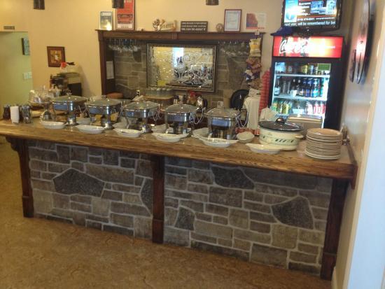Shallow Lake, Canada: Breakfast Buffet on Sundays 9 am to 1 pm.