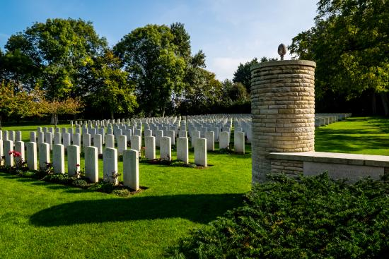 Hermanville-sur-mer, France: Hermanville War Cemetery