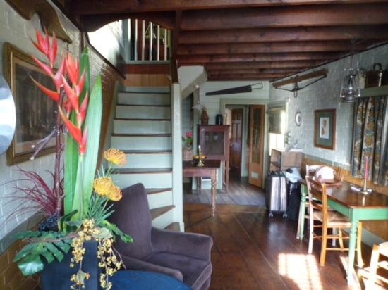 Corinda's Cottages: Downstairs