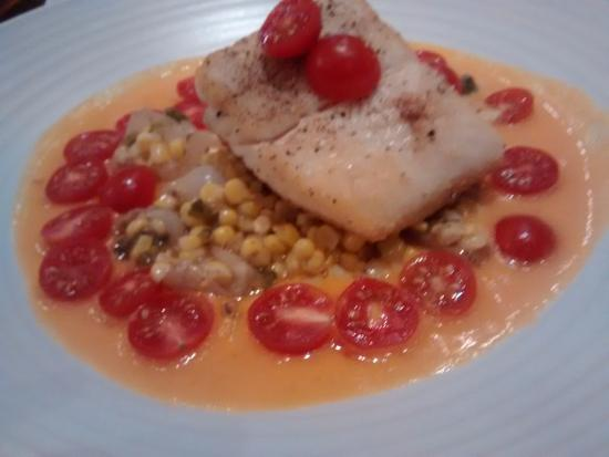 Red Star Tavern: Halibut dinner