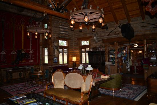 Teasdale, UT: The lobby and the fire place