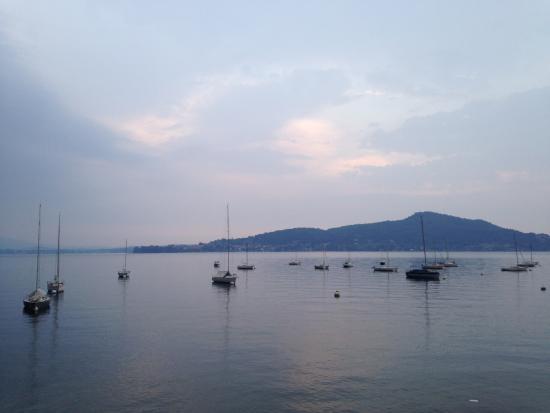 Meina, Italia: Barche ormeggiate