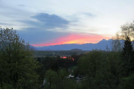 Riverview B&B: Glorious sunrise